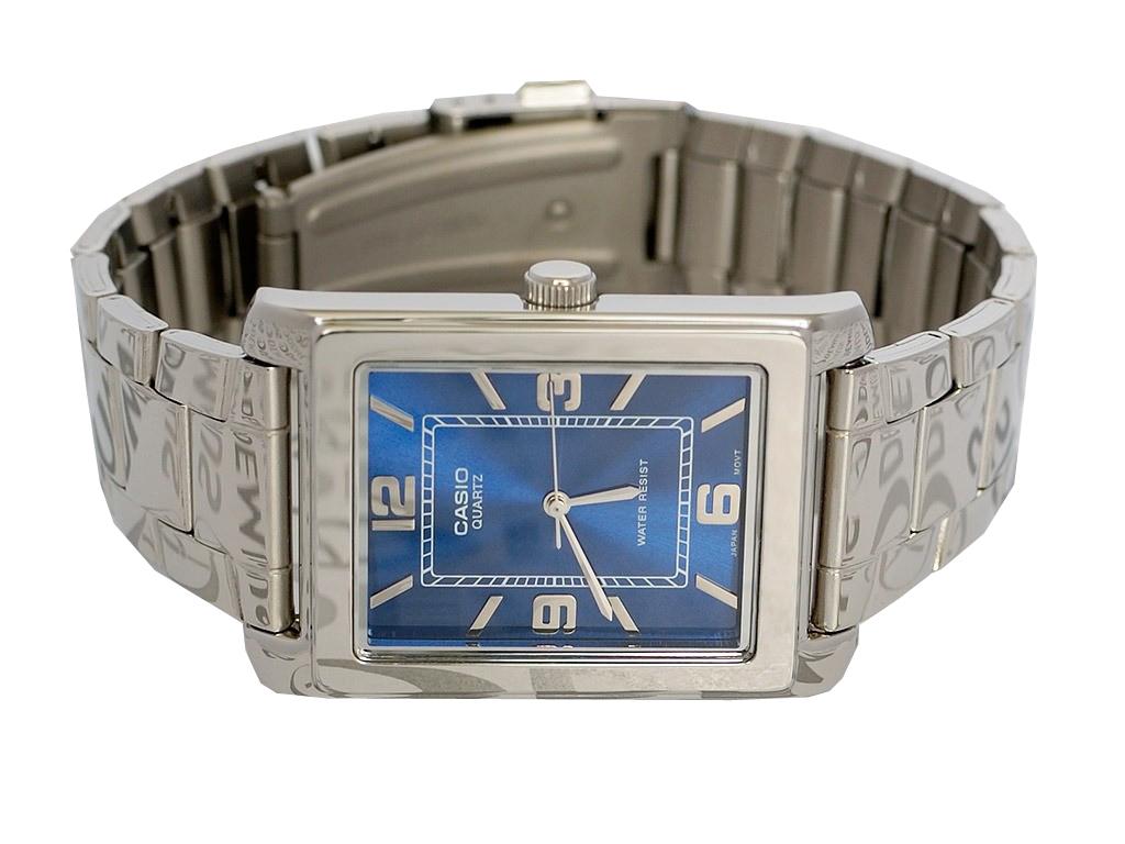 Часы компании jwc